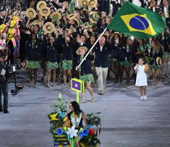 Por ter sido o país-sede dos Jogos Olímpicos de 2016, o Brasil teve inéditos representantes em algumas modalidades, o que, por sua vez, levou a delegação brasileira a ser a maior da  história em Olimpíadas.